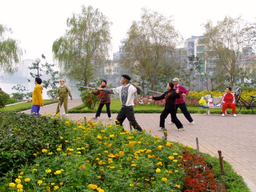 Morning exercise in Hanoi. Photo: Maarit Suokas-Alanko