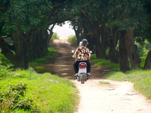 Women on a motorbike near Hanoi. Photo: Maarit Suokas-Alanko