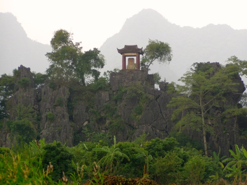 A shrine on a rocky hill in Vietnam. Photo: Maarit Suokas-Alanko